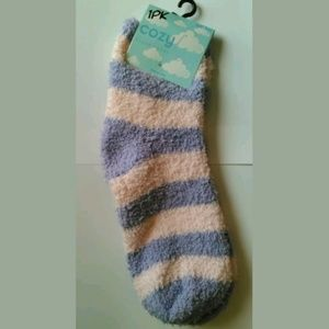 Cozy Feet Fuzzy Plush Socks Purple & Pink Striped